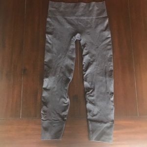 Gray lulu lemon thermal leggings